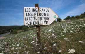 The sign to Les Ingarands